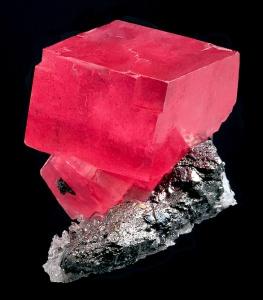 Crystalline rhombohedral rhodochrosite